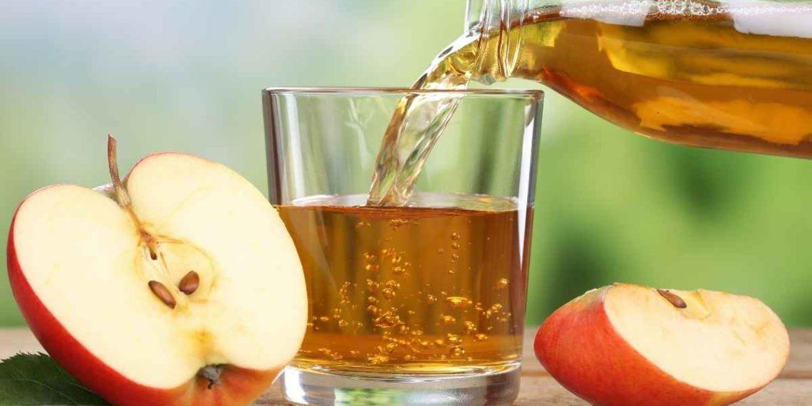 Jugo de manzana saludable para bajar los triglicéridos