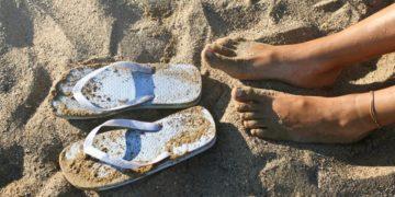 piel pies daño verano chanclas