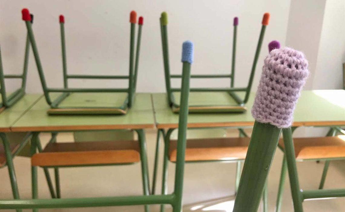 sillas y mesas ganchillo discapacidad auditiva