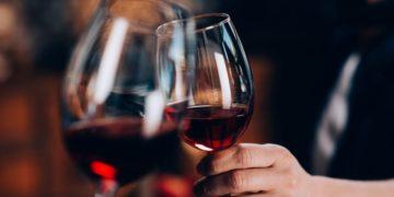Contraindicaciones de beber en exceso vino tinto alcohol