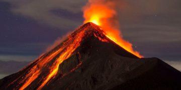 Erupción volcánica medioambiente natural