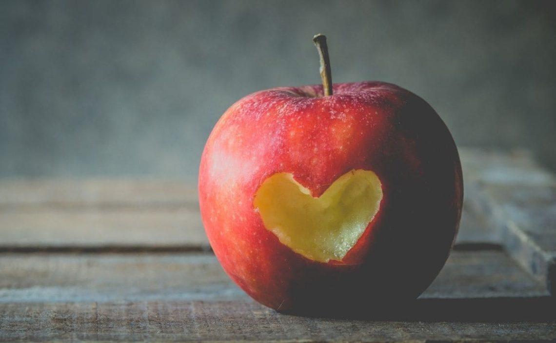 Manzana fruta mejora salud higado
