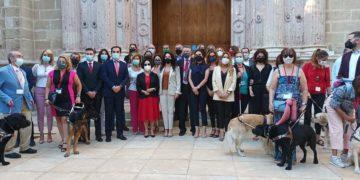 Rocio Ruiz perros de asistencia Andalucia discapacidad
