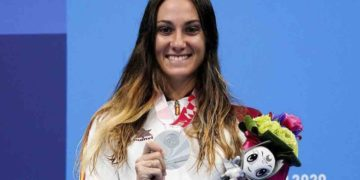 Sarai Gascón celebra su medalla de plata en los Juegos Paralímpicos de Tokio 2020