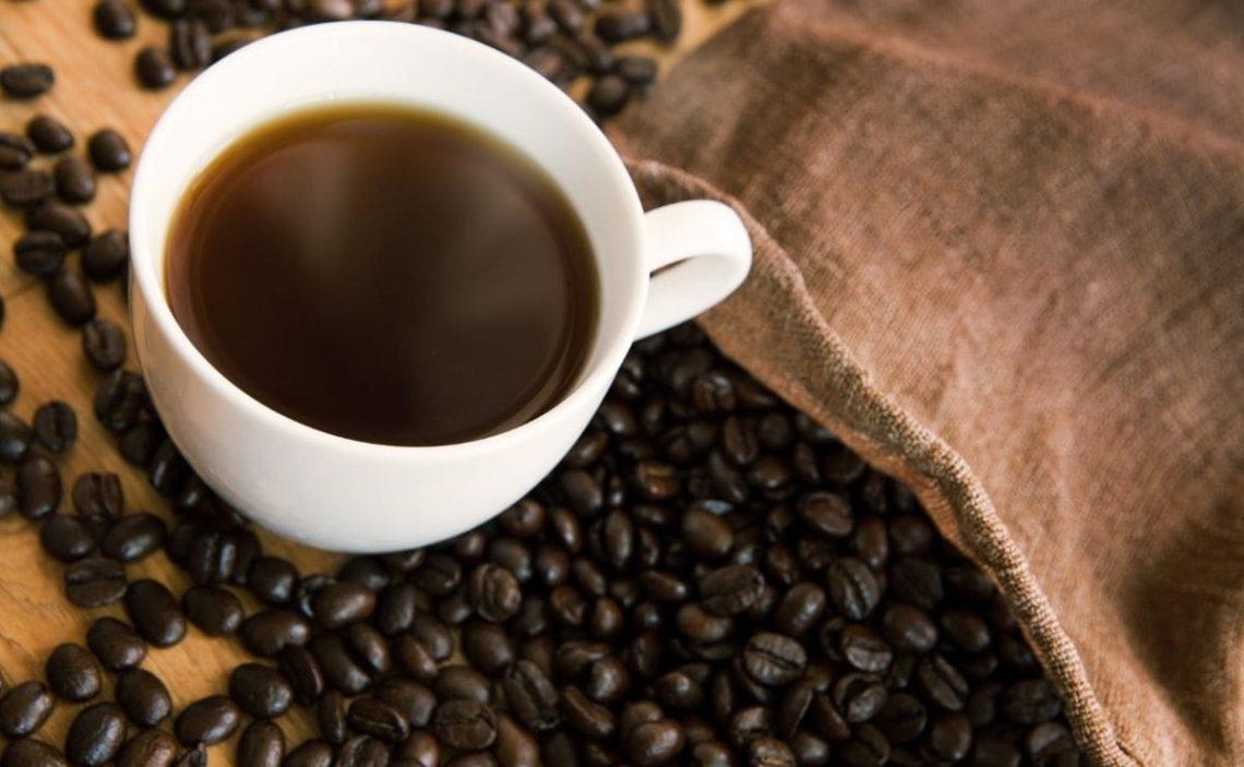 dosis maxima cafe crear adiccion bebida