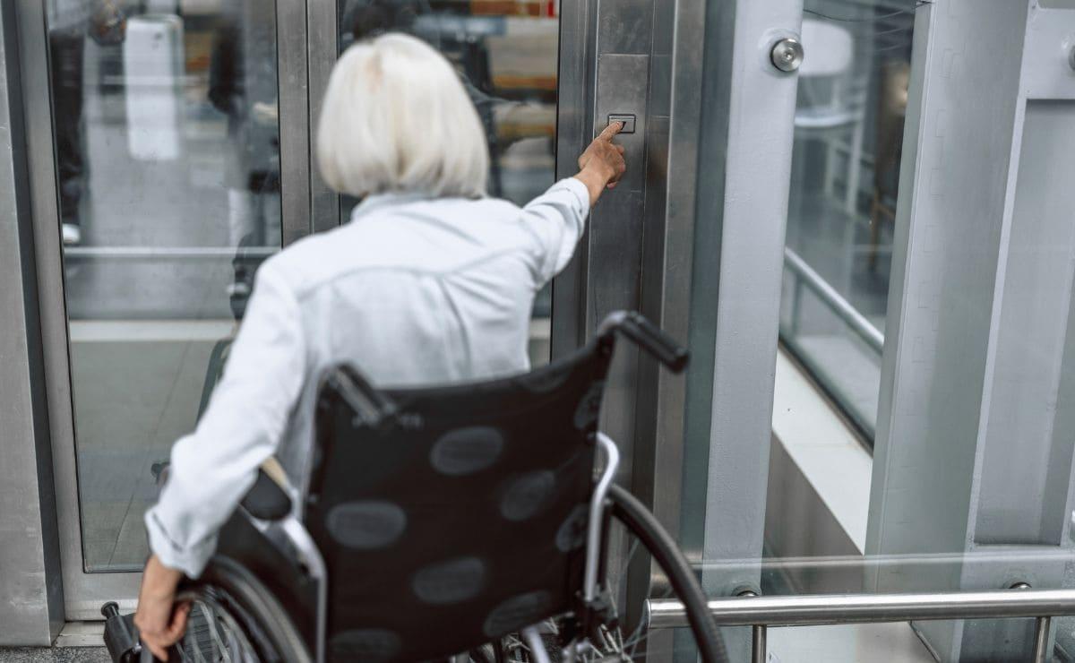 ascensor silla de ruedas accesibilidad