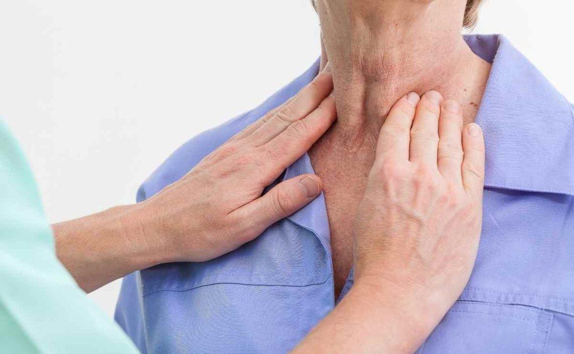¿Cuáles son los síntomas de tiroides en la garganta?