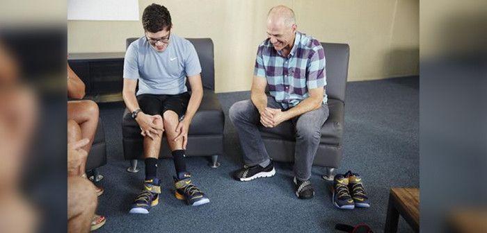La carta de un niño discapacitado que dio lugar a las zapatillas más fáciles de usar